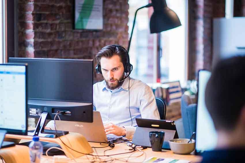 7 Ways to Improve Customer Service Online